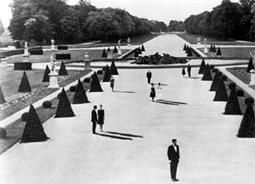 Tavaly Marienbadban (A. Resnais, 1961)