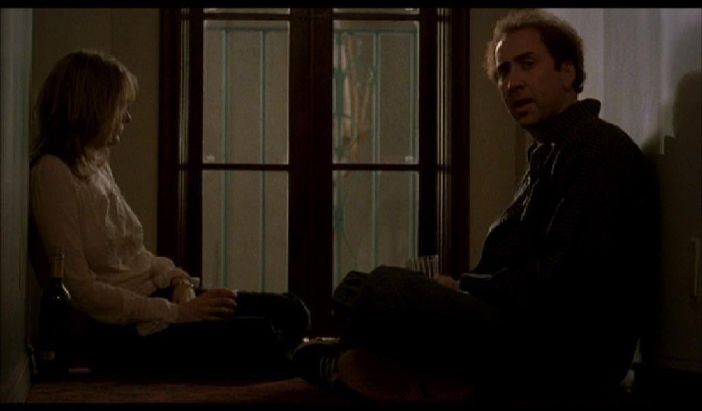 Nicholas Gage – Charlie Kaufman: bálterem eldugott zugában (low-key megvilágítás)