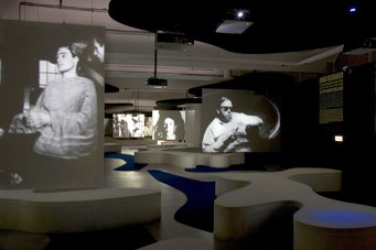 Fig 2 Filmscape, Andy Warhol – Other Voices, Other Rooms, 12.10.07 - 13.01.08, Stedelijk Museum Amsterdam. Photo: Gert Jan van Rooij