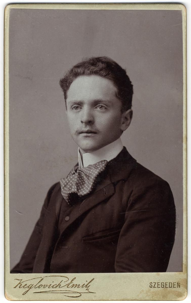 Balázs Szegeden, 1900-1910 körül. MTAK Kézirattár és Régi Könyvek Gyűjteménye, Ms 5022/163