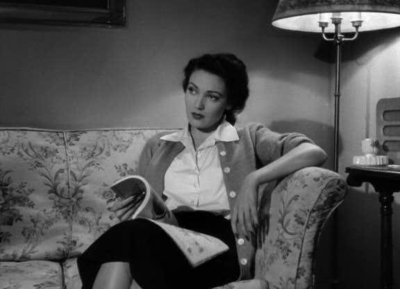 Lora May (Linda Darnell) az <em>Egy levél három asszonynak</em> (A Letter to Three Wives, J. L. Mankiewicz, 1949) című filmben