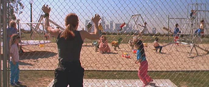 Sarah Connor (Linda Hamilton) a <em>Terminátor 2. - Az ítélet napjá</em>ban (Terminator 2: Judgement Day. James Cameron, 1991)