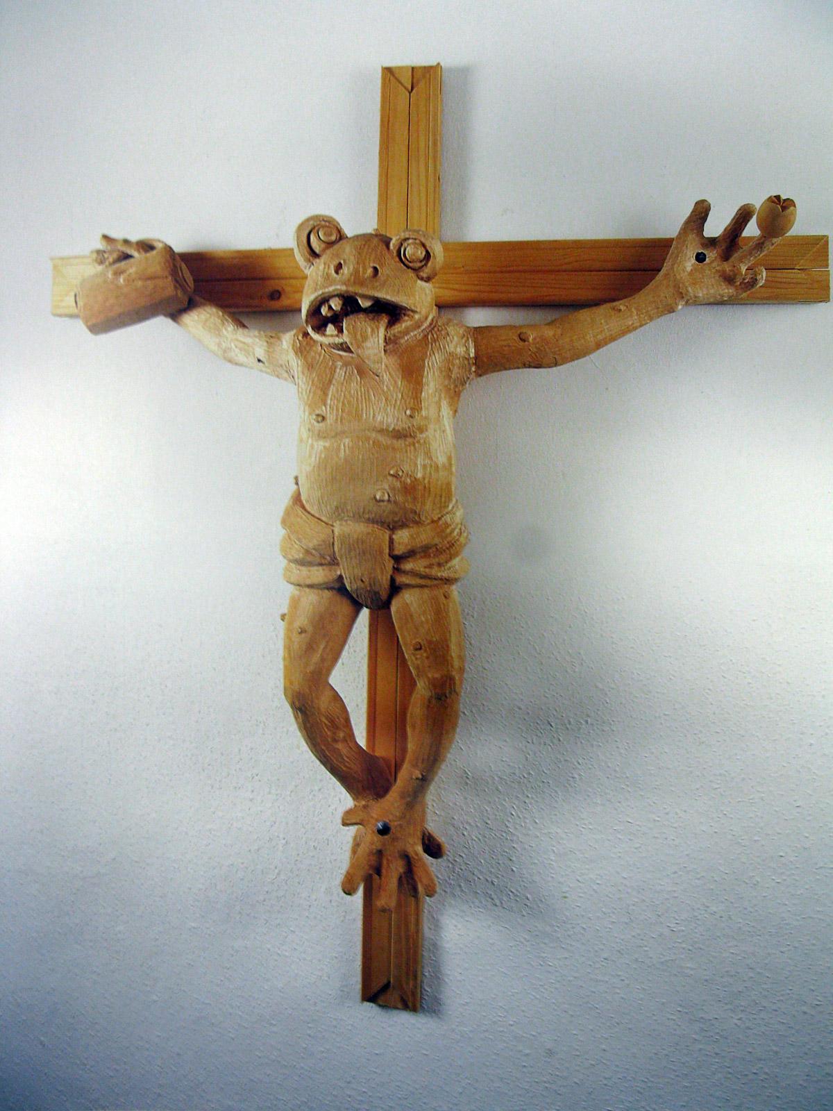 Martin Kippenberger, Was ist der Unterschied zwischen Casanova und Jesus: Der Gesichstausdruck beim Nageln, 1990. Holzskulptur.