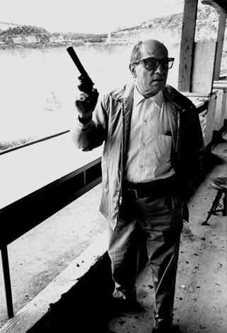 Buñuel revolverrel