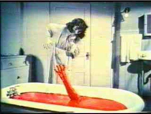 Ollie horrormozija halálra rémíti Marthát