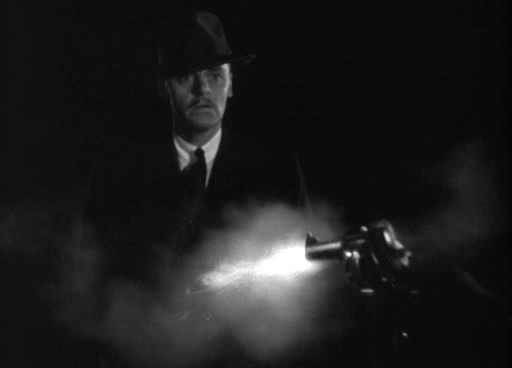 Archer arcáról lefagy a mosoly. A máltai sólyom (The Maltese Falcon. John Houston, 1941)