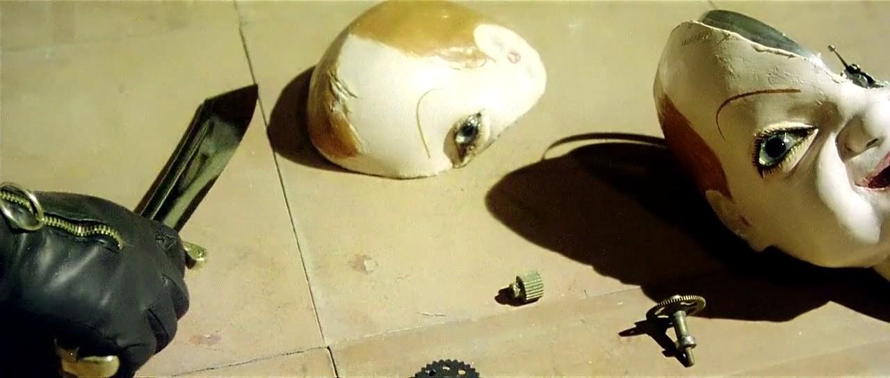 Dario Argento Mélyvörös (1975) című filmje a giallo műfajának csúcspontját jelenti.