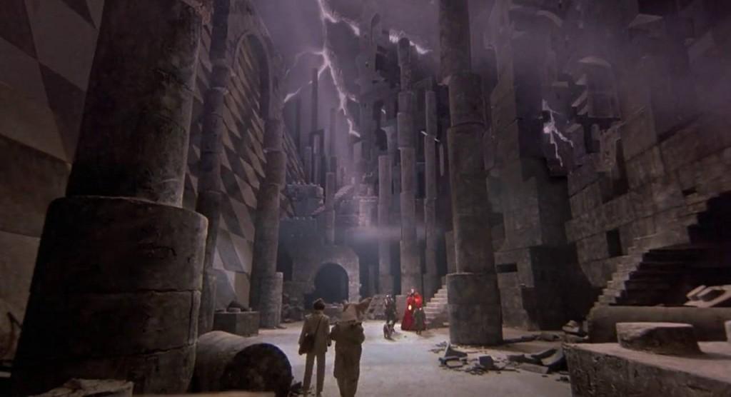 4. kép - A gyerekszoba építőkockái köszönnek vissza a Gonosszal való összecsapás mágikus helyszínén.