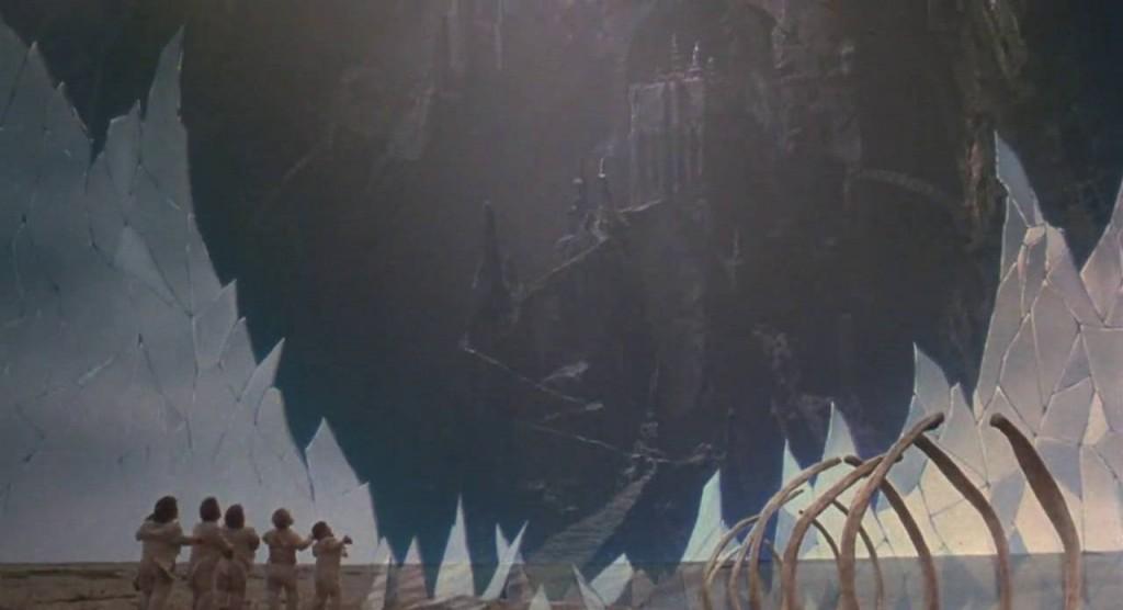 8. kép - A fal mögötti rejtett valóság a Gonosz székhelyét rejti - <em>Időbanditák</em> (Time Bandits. Terry Gilliam, 1981)