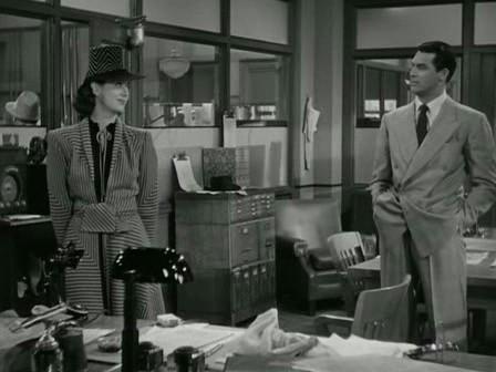 1.20: <em>A pénteki barátnő</em> (<em>His Girl Friday</em>, Howard Hawks, 1940): Miután Walter kiküldte beosztottjait az irodából, a kamera előrekocsizik, hogy Walter és Hildy a képkivágat két átellenes oldalára kerüljenek. A nő elővigyázatosan, a férfi pedig szétterpesztett lábakkal áll, kezeit zsebre vágja, és a nőt méregeti.
