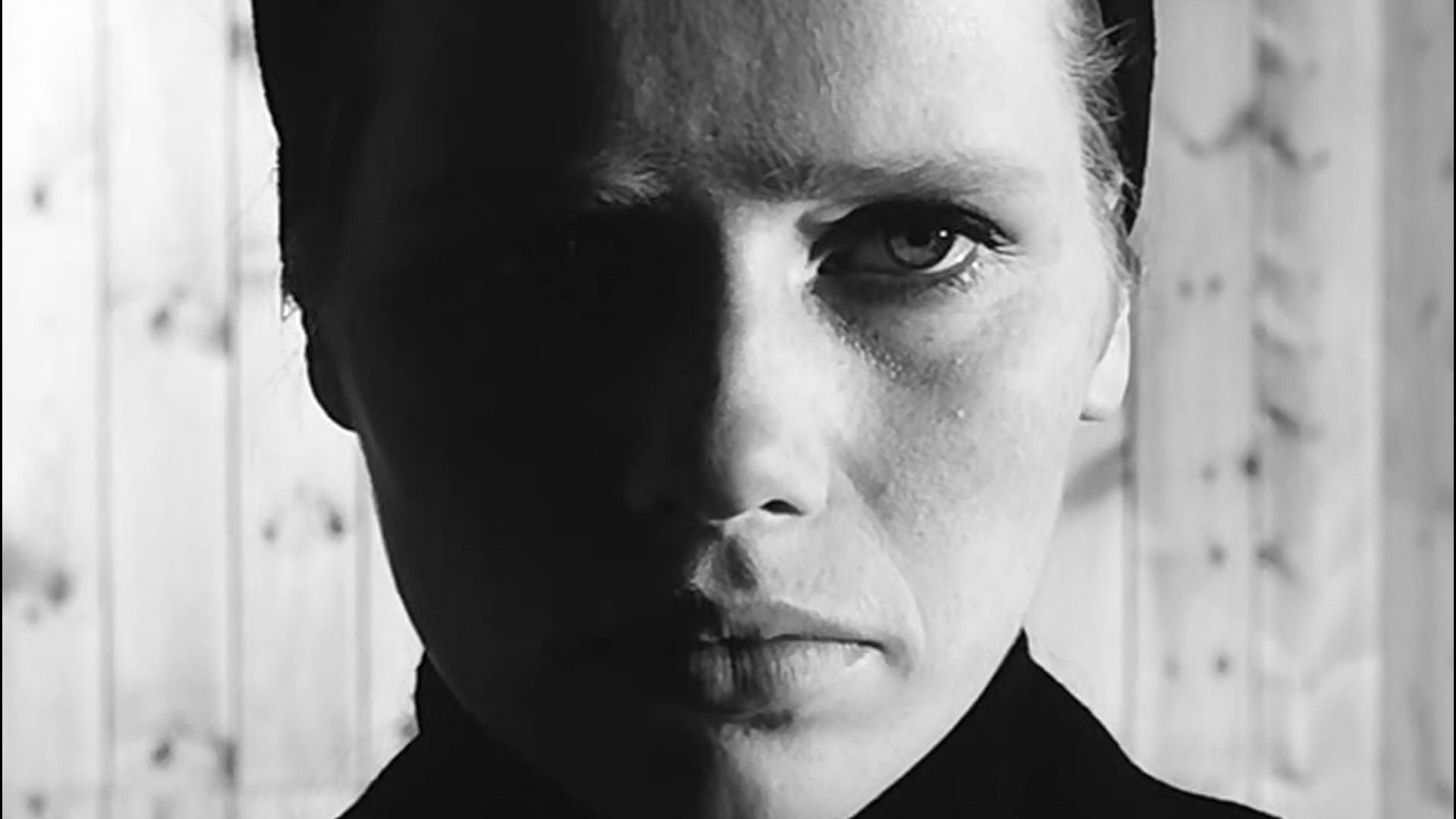 1.27: Egy hosszú közeli beállítás Ingmar Bergman <em>Persona</em> (1966) című filmjéből.