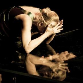 Megtestesülés és megtestesítés: néző, színpad és színész a koramodern színházban