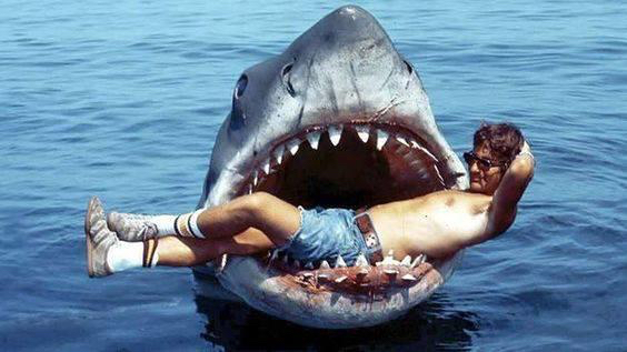 Spielberg <em>A cápa</em> forgatásán