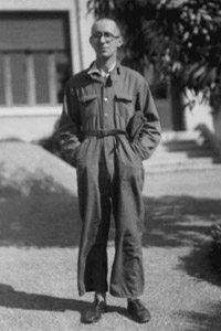 Bertold Brecht (http://www.librislondon.co.uk/)