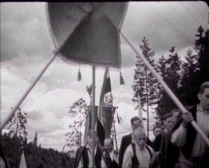 2. kép - <em>Emberek a havason.</em>  Szőts István, 1942.