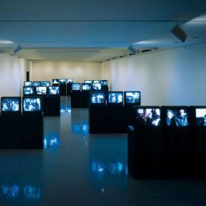 A megkövesedett mozi. Elmélkedések a kiállítási tárgyakként bemutatott filmes művek elrendezéséről