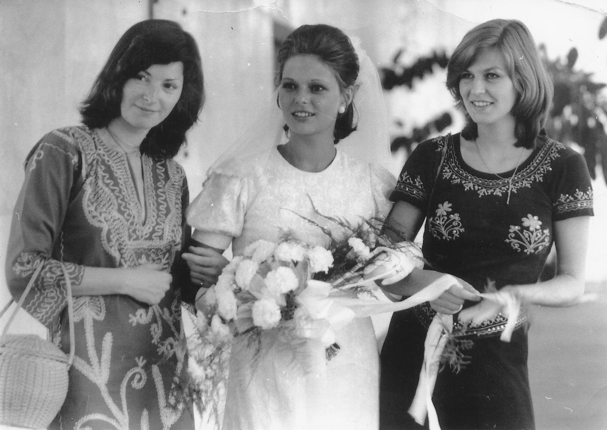 Bodnár Eszter, Szakács Zsuzsa és Himmer Márta - <em>Filmregény - Három nővér</em> (Dárday István, 1977)