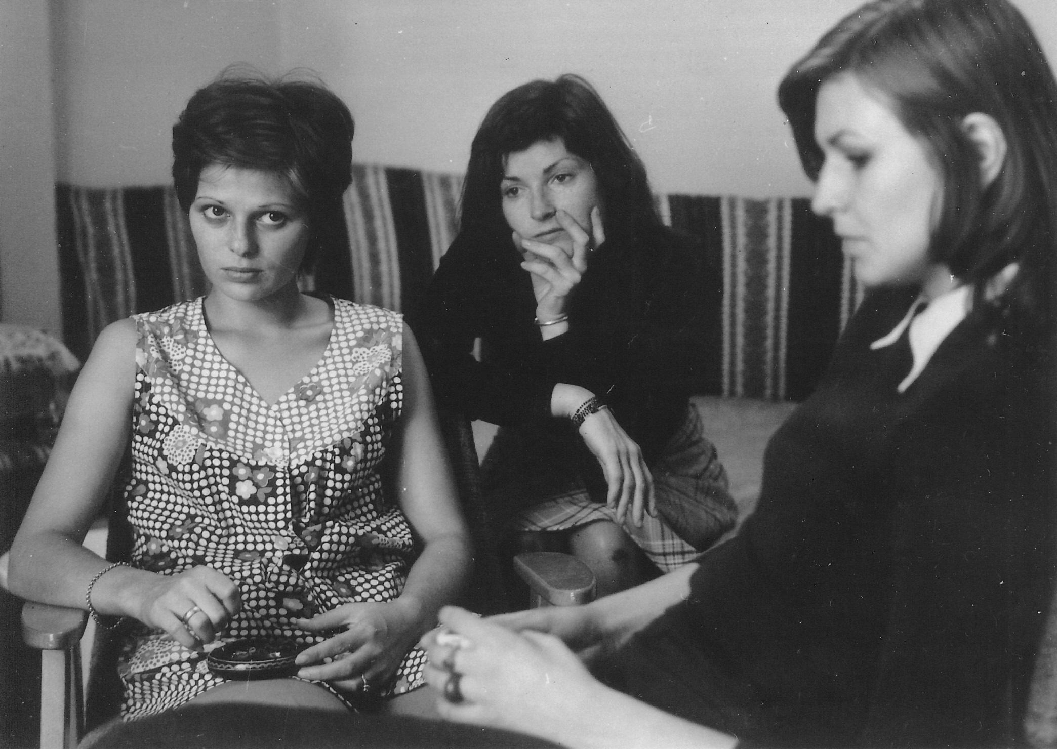 Szakács Zsuzsa, Bodnár Eszter és Himmer Márta - <em>Filmregény - Három nővér</em> (Dárday István, 1977)