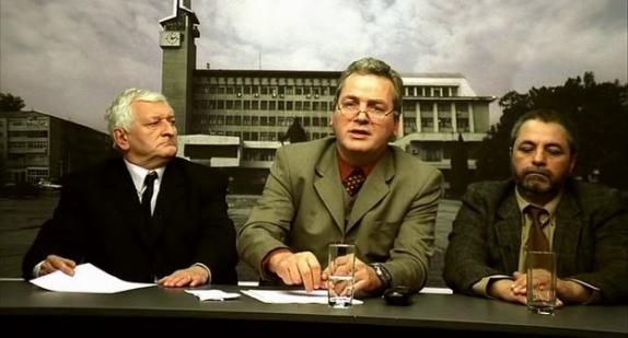 Pişcoci, Mănescu és középen a műsorvezető, Jderescu