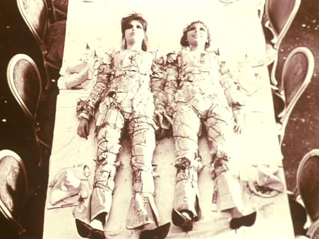 <em>Százszorszépek</em> (Sedmikrásky. Věra Chytilová, 1966)