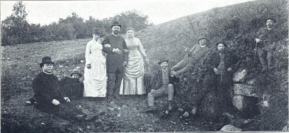 Természetjárók a pilisszentkereszti Klastrom-forrásnál, 1888 (a kép jobb szélén a Turisták Lapja első szerkesztői: dr. Téry Ödön és dr. Thirring Gusztáv).