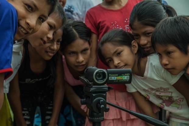 Participatív filmkészítés: egyszerre a kamera előtt és mögött lenni.