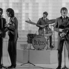 Félreértés minden, amit látsz Önreflexió, hitelesség és virtuális jelenlét a Beatles filmjeiben és videoklipjeiben