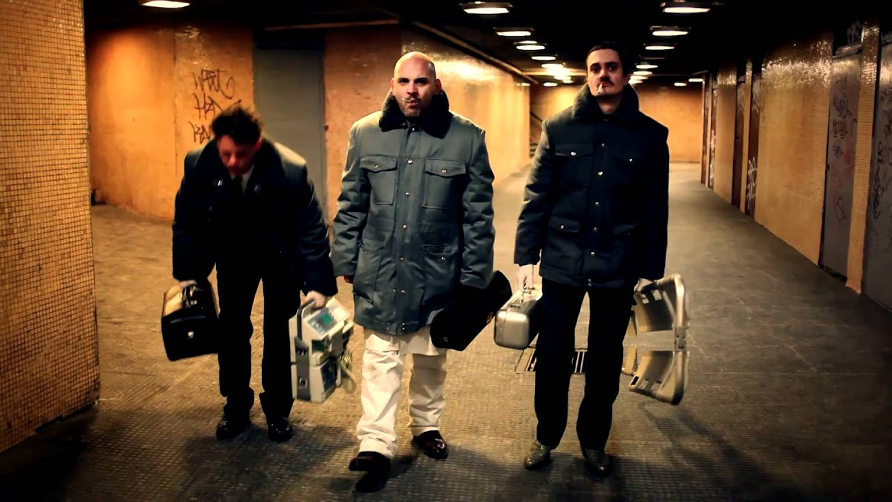 Háborúból háborúba – Bodzsár Márk: <em>Isteni műszak</em> (2013), Ötvös András, Rába Roland, Keresztes Tamás
