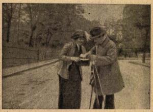 Találkozás Karinthyval: a férj meggyanúsítja, a feleség autogramot kér.