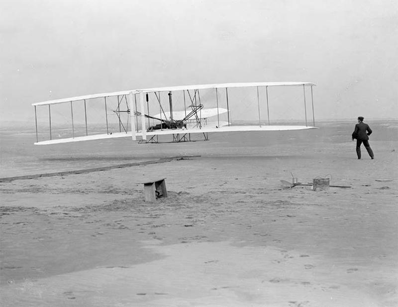 a Wright fivérek első repülése 1903-ban