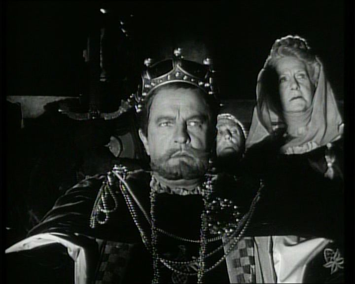 4. Frontálisan látjuk a király feldúlt arcát: Claudius magára ismer.