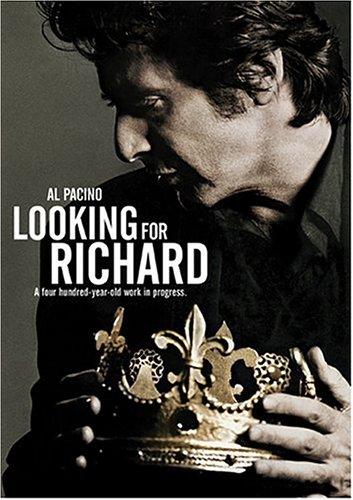 Pacino alkotása filmes esszé arról, mit jelent Shakespeare a 20. század végén. E célból különféle stílusokat, műfajokat ollóz össze: dokumentarista stílusban, kézi kamerával készített utcai interjút, színházi előadásról, színházi próbákról készült felvételeket, fényképeket stb. Looking for Richard (Al Pacino, 1996)