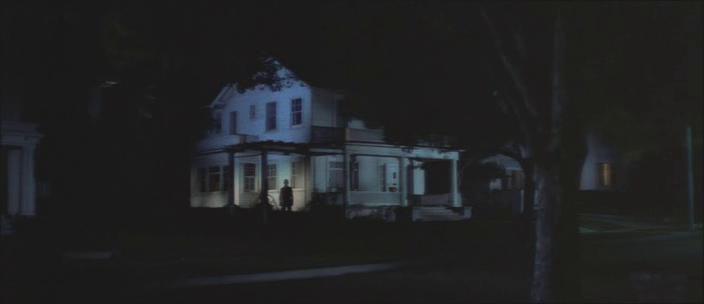 1. kép - Az Alak - <em>Halloween - A rémület éjszakája</em> (Halloween. John Carpenter, 1978)