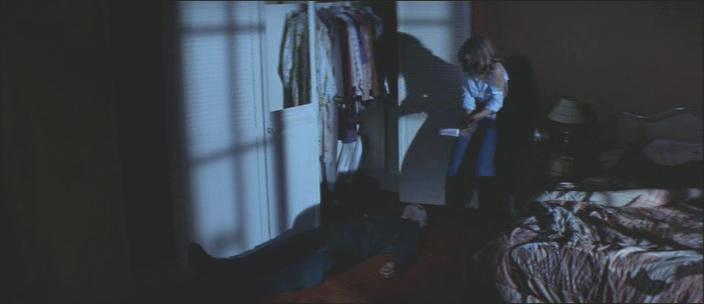 3. kép - Kés a kézben, árnyak a falon- <em>Halloween - A rémület éjszakája</em> (Halloween. John Carpenter, 1978)